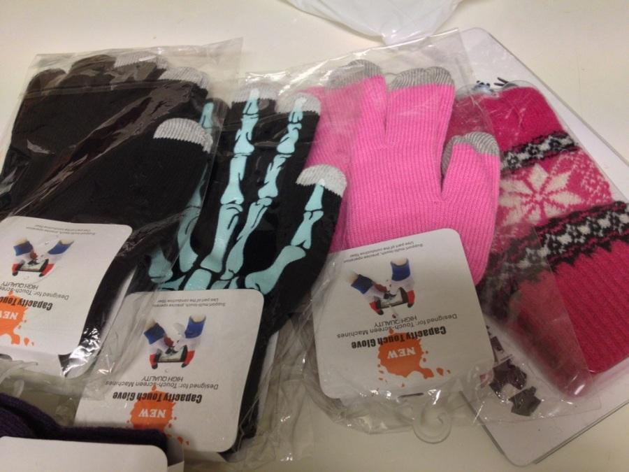 touch handskar vinterhandskar, touch gloves lila skelett rosa svarta.jpg