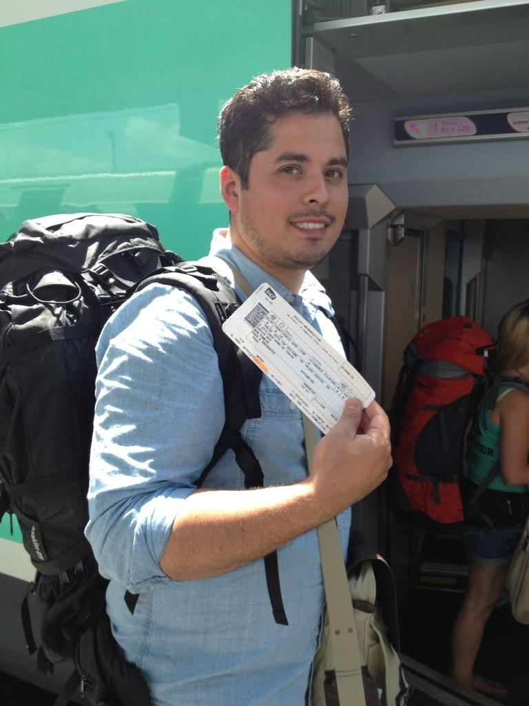 Cristian på tågstationen Paris-094052.jpg
