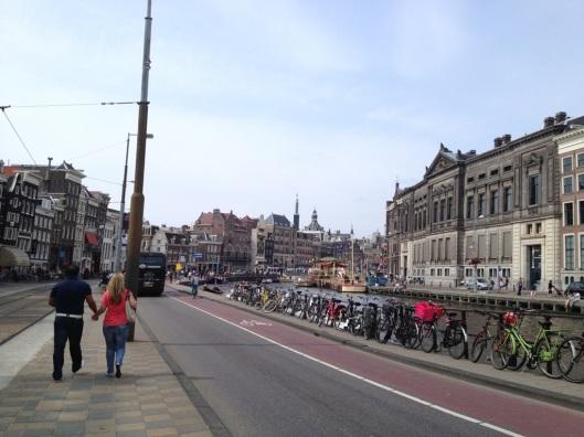 amsterdam kanaler cyklar populärt-225456.jpg