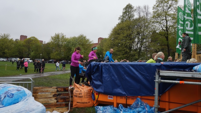 tough viking 2014 hagaparken obstacle race ICE TANK